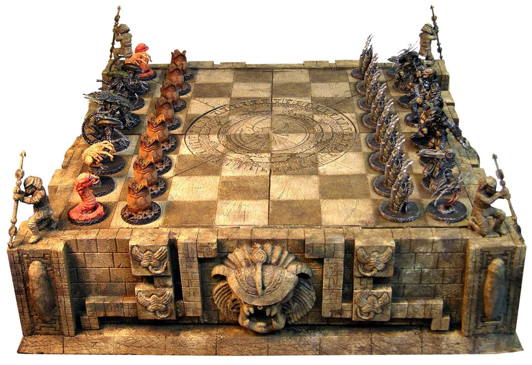 Aliens vs Predator Chess Set