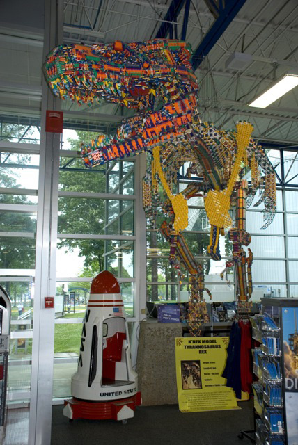 World's Largest K'NEX Sculpture