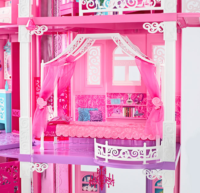 2 Story Barbie Beach House: Barbie To Stay In California And Remodel Dreamhouse