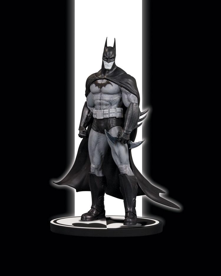 BATMAN BLACK & WHITE STATUE: BATMAN ARKHAM ASYLUM